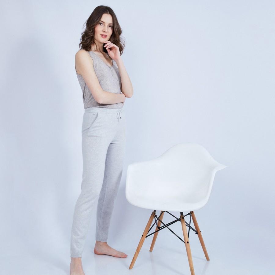Pantalon en cachemire - Horizon 6366 plume - gris pale