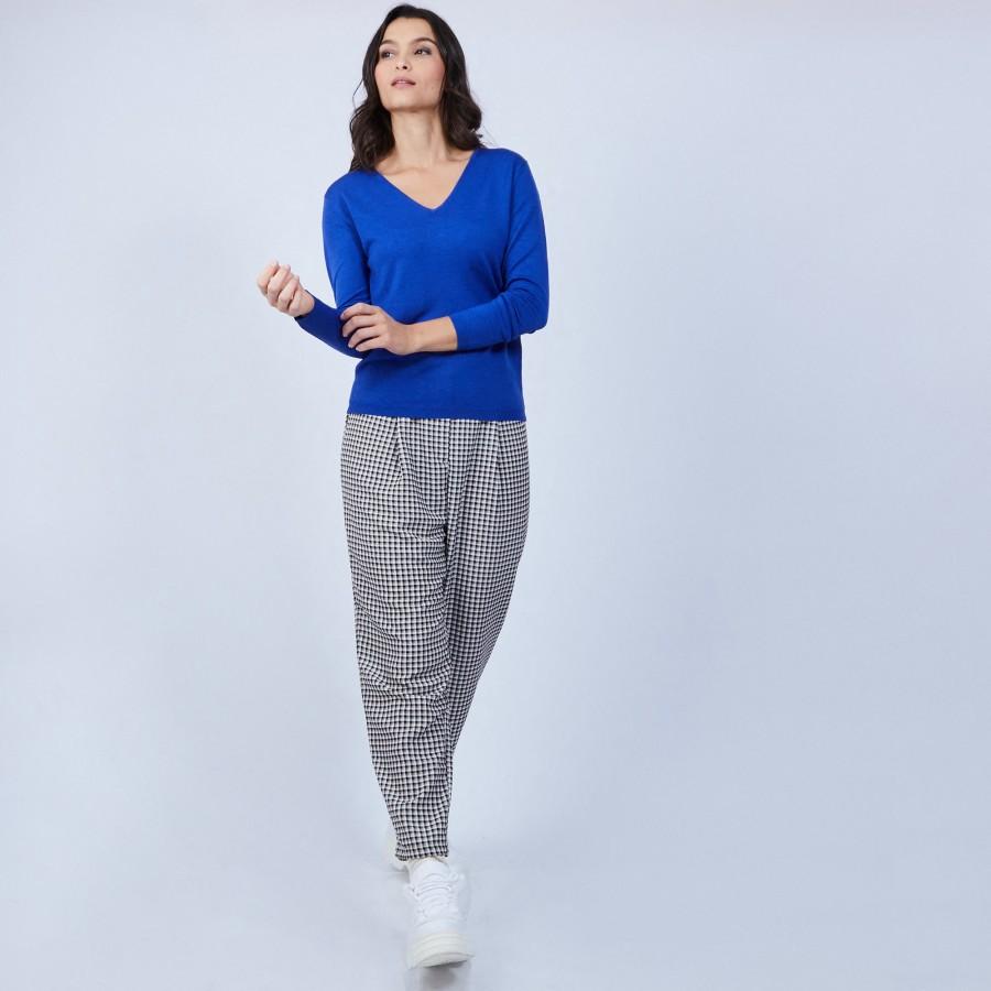 Pull col V avec fente en laine mérinos - Barbara 6644 iris - 48 Bleu roi