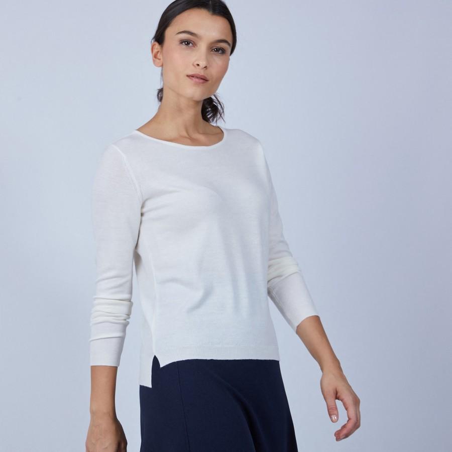Pull col rond avec fente en laine mérinos - Betina 6600 blanc - 02 Blanc