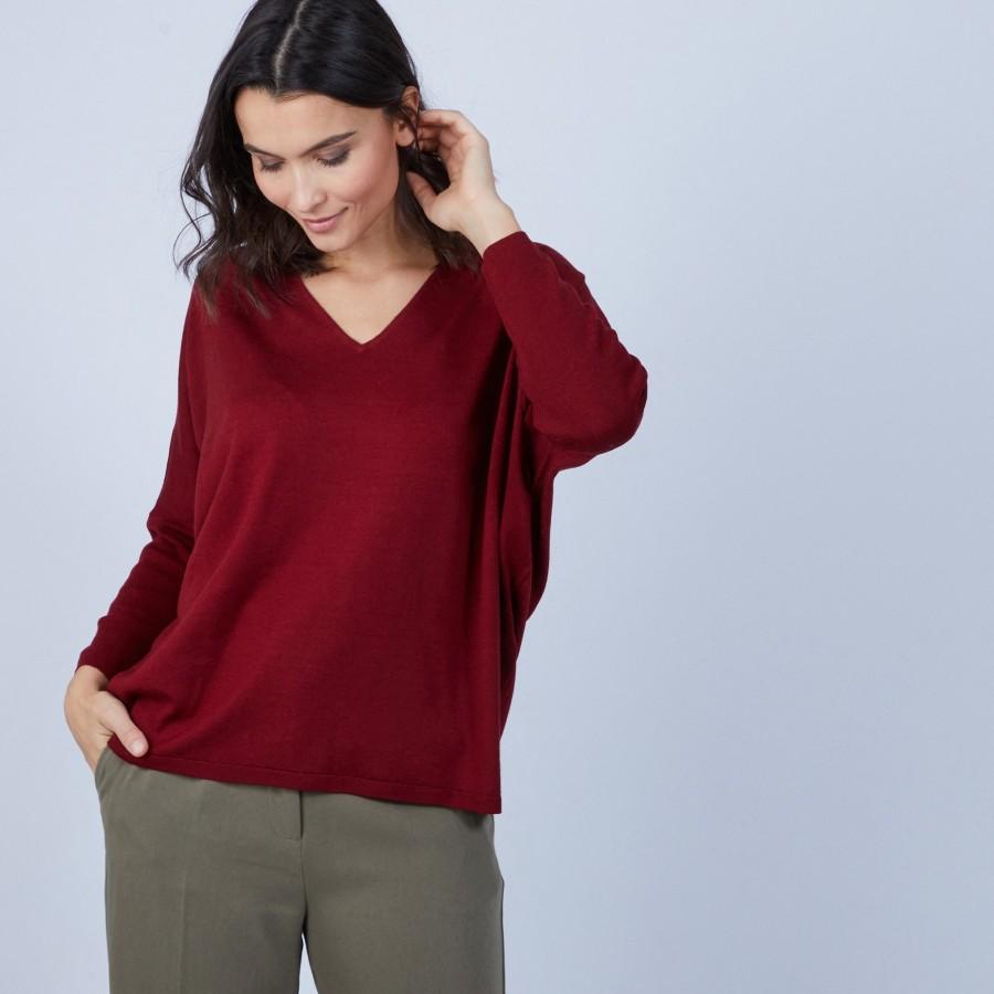 Pull ample col V en laine mérinos - Boxe 6681 rouge - 51 Bordeaux