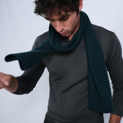 Men's cashmere scarf.