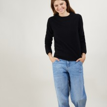 Round neck sweater 100% cashmere. BERLINE