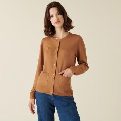 Cardigan boutonné col rond à poches en laine mérinos - Amalia