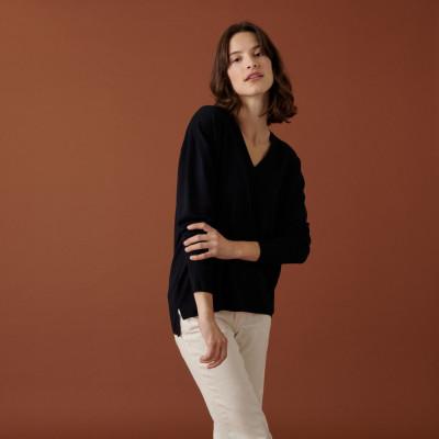 Merino wool V-neck sweater with slits - Aurora