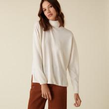 Pull col roulé à fentes en laine mérinos - Amy 7403 ecru - 82 Ecru
