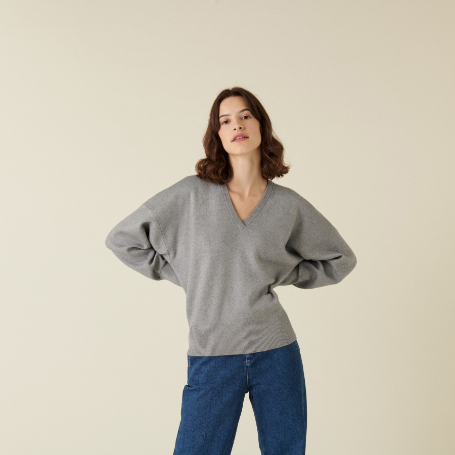 Loose-fit V-neck sweater with rib edges - Alderic