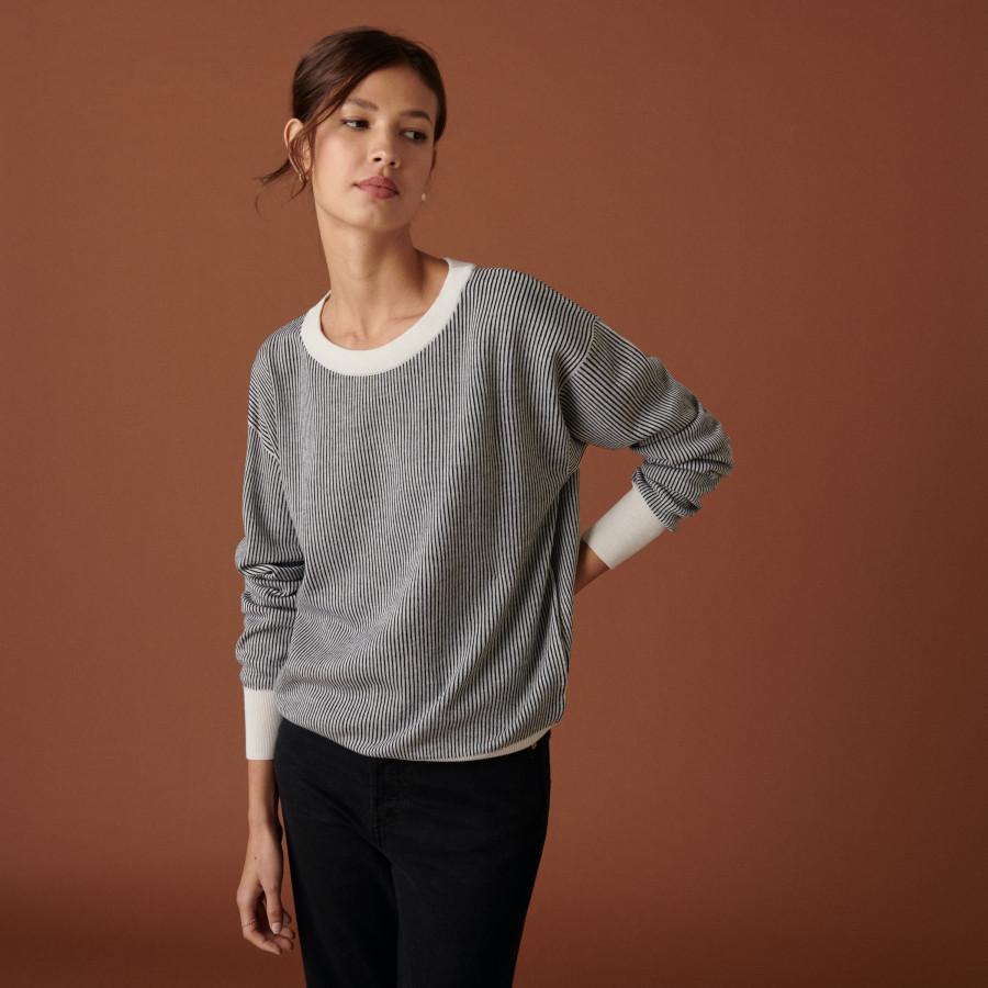 Pull ample col rond à poches en laine mérinos - Chiara 7530 ECRU/NOIR 82 Ecru