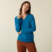 Pull col V en laine mérinos finitions bord côtes - Arya 7443 paon - 06 Bleu moyen