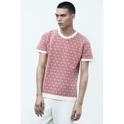 Man red short-sleeved t-shirt Montagut x Benjamin Juveneton