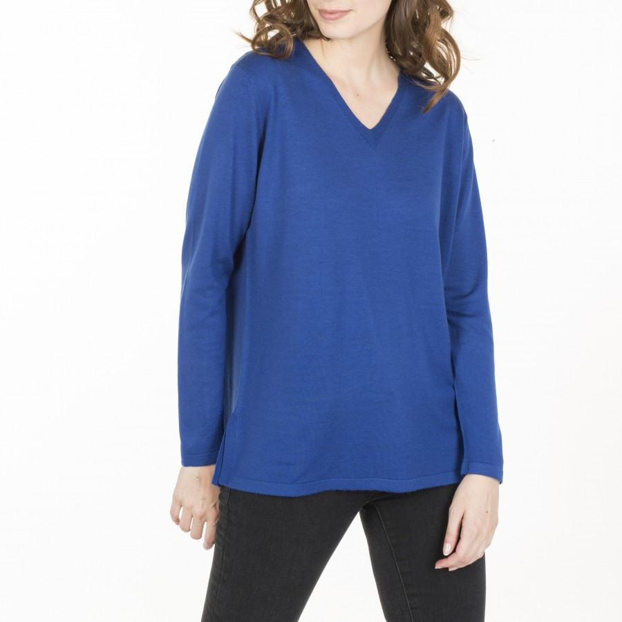 V-neck pullover made of wool Cité
