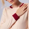 Two-tone round neck jumper made of cashmere - Ellipse