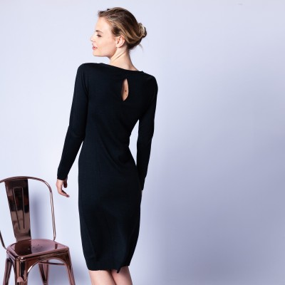 Dress made of wool and silk with back slit - Epopée