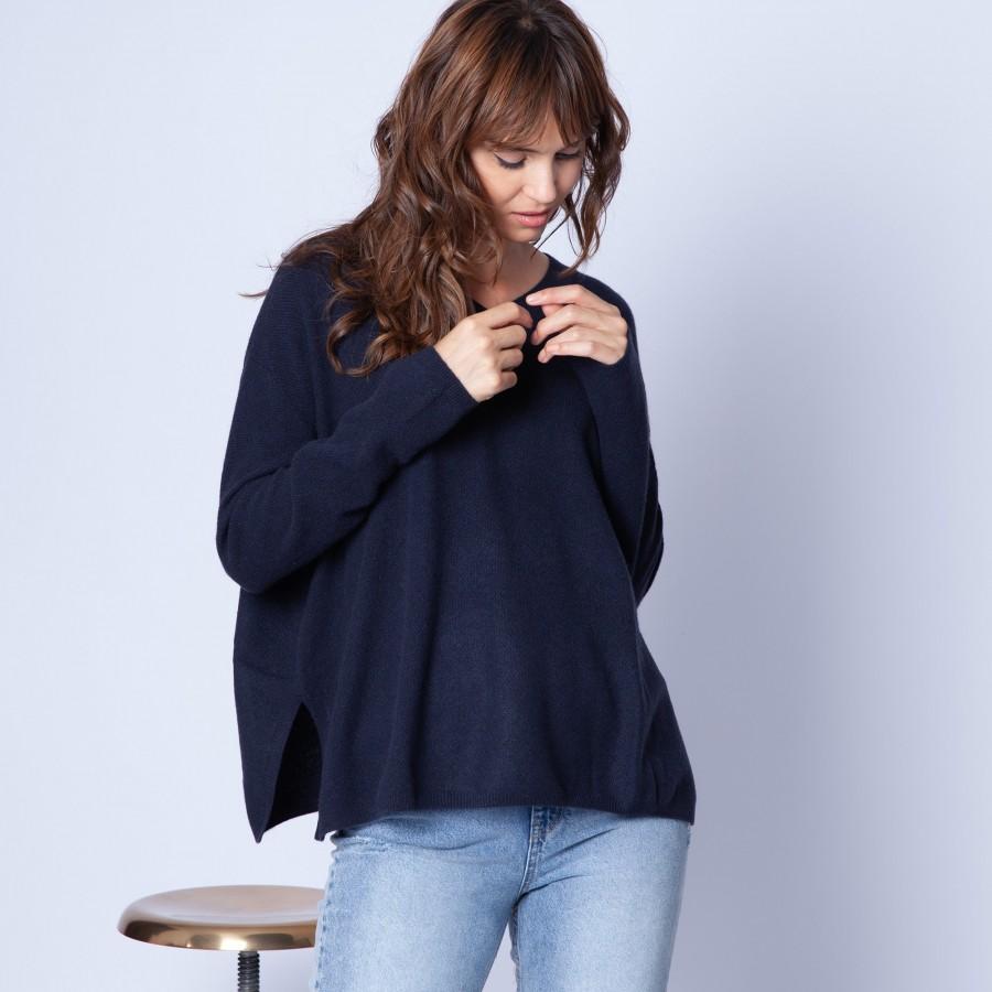 V-neck, cashmere jumper — Galane